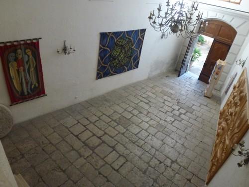 Marysia Milewski, Château musée, Tourrettes sur loup, Basse-cour à l'étage