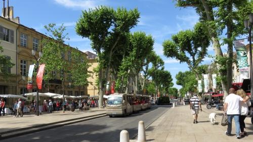 Aix en provence, pays de Cézanne, fontaines, cours mirabeau