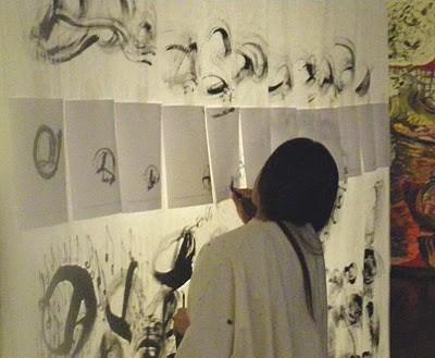 SETSUKO peint avec ses cheveux.JPG